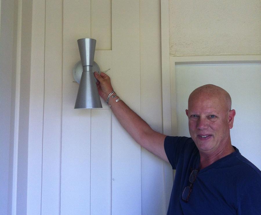Makingitmidcentury restoring a 1958 home in rancho - Mid century modern exterior lighting ...